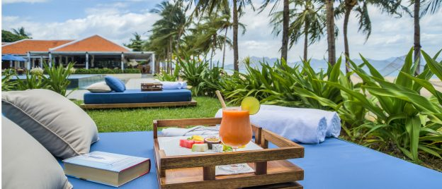 Outdoor_seating_Ana_Beach_House_[6202-ORIGINAL]