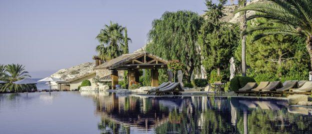 Resort West Pool Bar