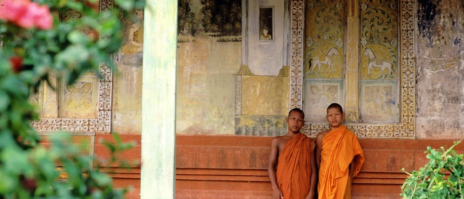 Visit one of the pagodas in Siem Reap_Cambdia