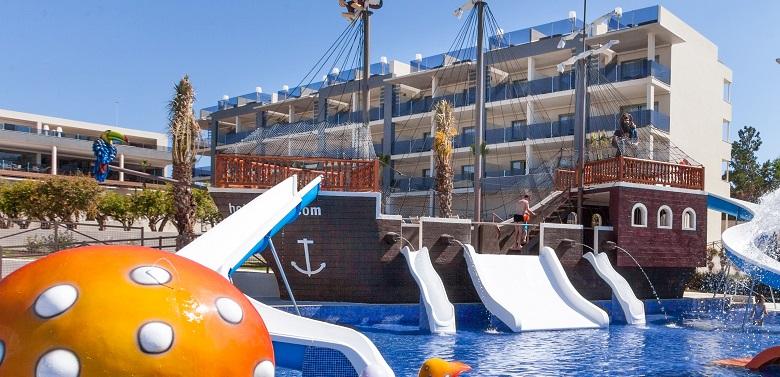 Zafiro 2015 Splash Pool & Pirate Boat_5433