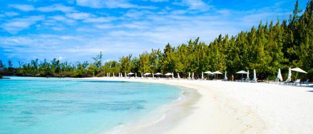 anahita-exclusive-beach-at-Ile-aux-Cerfs
