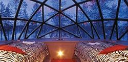 hotel-kakslauttanen-glass-igloo-hotel