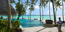 shangri-la-villingili-pool-hotel