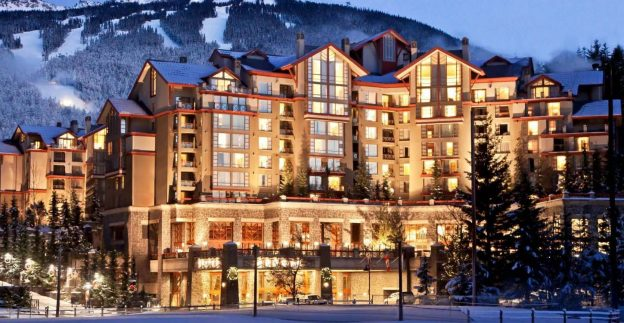 wes1199gr-157671-Mountain-Suite-Bedroom